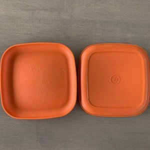 Tupperware 1534 Square Orange Lunch Plates 8""